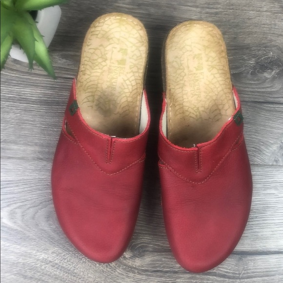 El Naturalista Shoes - Leather Red Clog El Naturalista